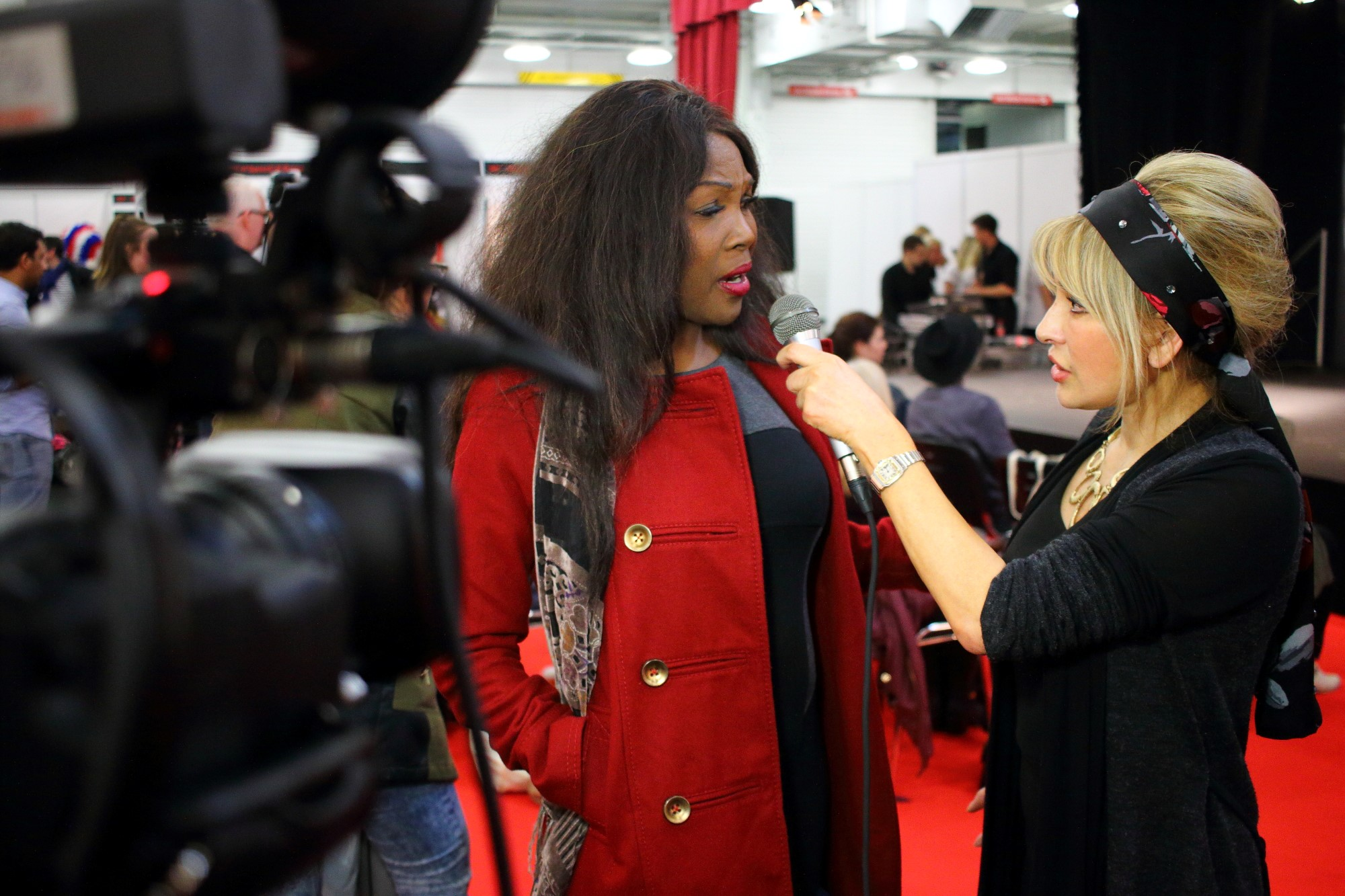 """Cindy Harvey interviews Pily Mirazi from Ch.5""""s Big Brother"""